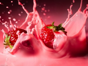 Strawberries-Cream-food-wallpaper-fruit-wallpapers-1280x960